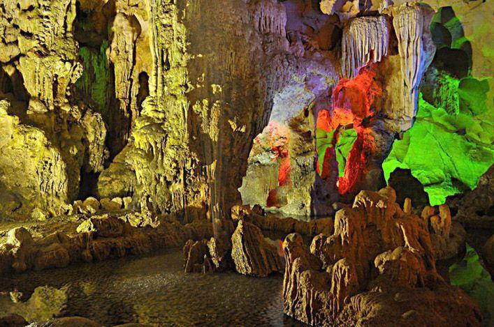 Top 10 địa điểm du lịch Việt Nam thu hút khách nước ngoài-3